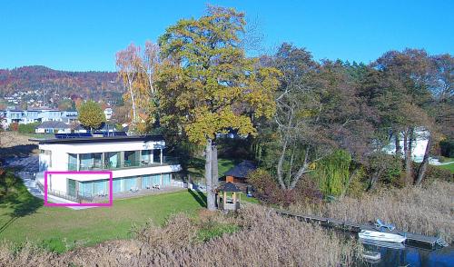 Deluxe-Apartment-barrierefreies Badezimmer-Seeblick-Top 1 -  Terrasse