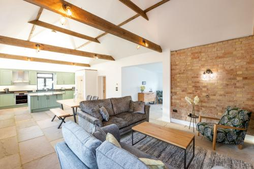 Cheltenham - A Spacious and Luxurious Two Bedroom Barn Conversion