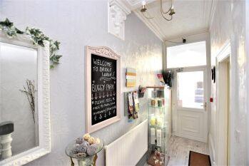 Bridle Lodge Apartments - Entrance Hallway