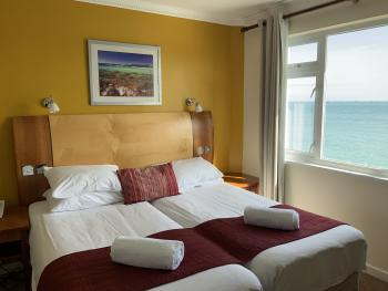 Twin room-Ensuite with Shower-Sea View-full-Super