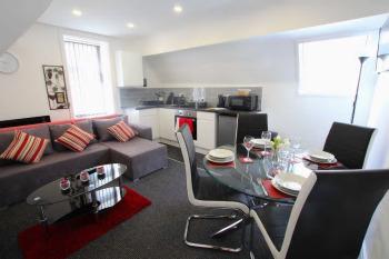 Coast Accommodation Station Road Apartments - Lounge Seashell