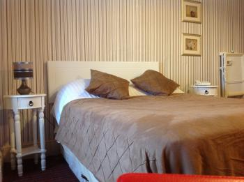 Family 2 Adults & 1Child-Triple room-Ensuite - Base Rate