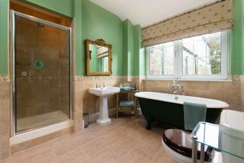 The Blue Bedroom En Suite