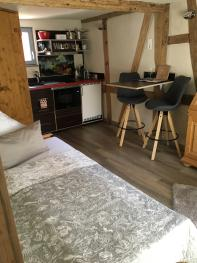 Studio-Eigenes Badezimmer-Balkon-Chambre - Basistarif