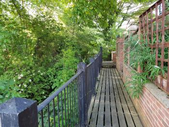 The Moorings - Boardwalk access to rear of property