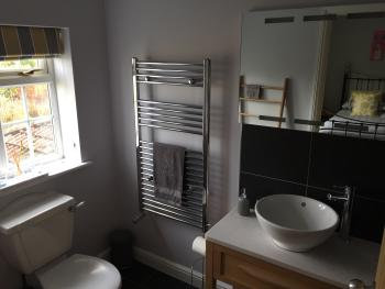 Large en suite shower room