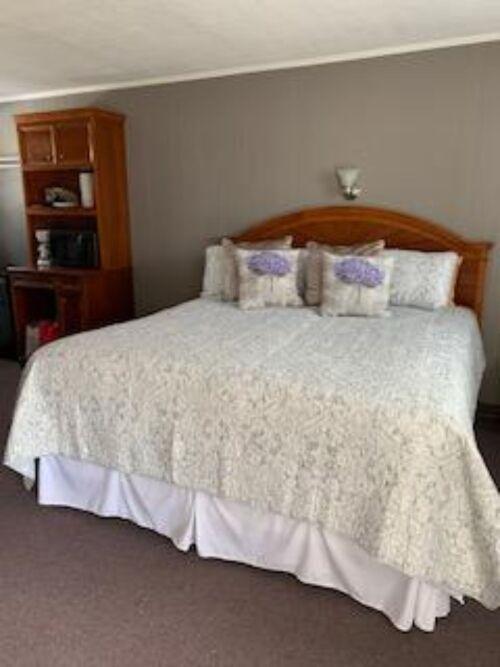 King Suites-Comfort-King-Ensuite - Base Rate