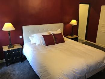 Chambre Intemporelle, Instant La Ferme avec son lit double 180x200 ou ses 2 lits simples