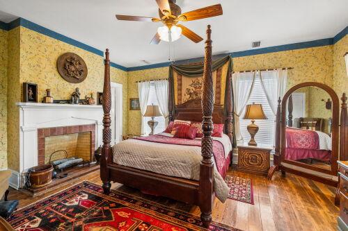 Double room-Ensuite-Standard-Balcony-The Guinevere & Lancelot  - Premium Ensuite