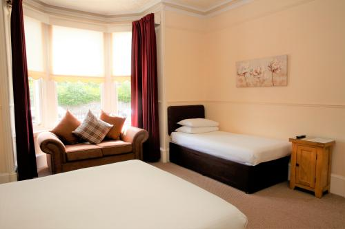 Family 3 Ensuite - Disability Access (Breakfast Included)