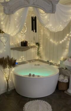 Suite chambre studio jacuzzi balneo sauna aix en provence centre historique all inclusive detente relaxation week end vacances tourisme provence sud de la France
