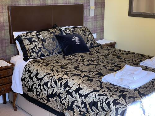B & B Our Double Room with luxury en-suite Garden and Sea View