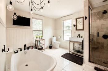 Studio 555 Bathroom