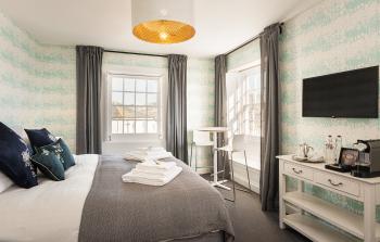 Guest Room 7 - Ammonite Room