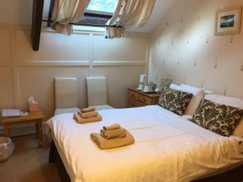 Double-Deluxe-Ensuite - Room Only