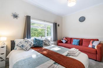 MPL Apartments - Malden Road Serviced Accommodation - Bedroom
