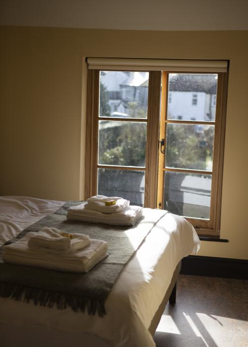 Deluxe-King-Ensuite with Shower-River view-Room 2 - Base Rate