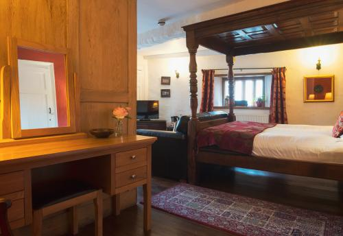Double room-Superior-Ensuite with Shower-The Skirrid Room - Base Rate