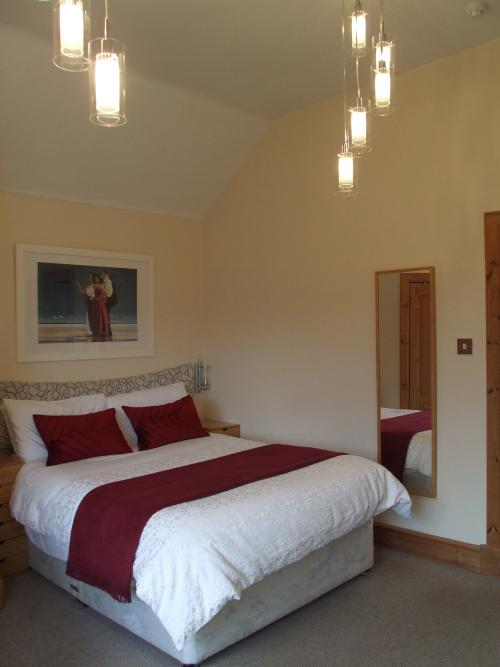 Double room-Large-Ensuite with Shower-Garden View-1
