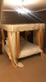 Suite-Luxury-Jacuzzi-Garden View-Bardney Suite
