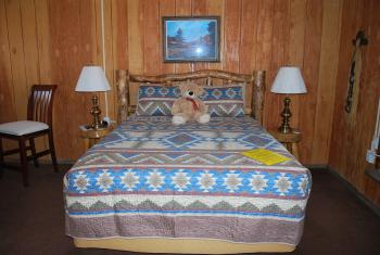 Cowboy Country Inn - Sierra Room with Queen bed