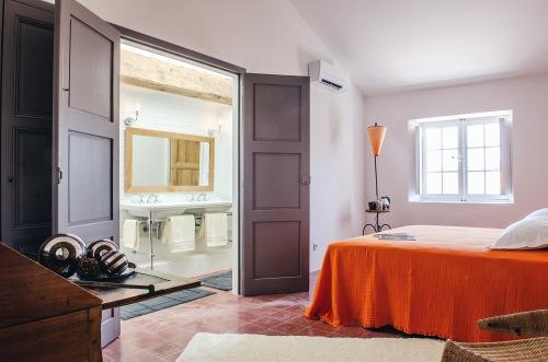 Chambre Sarcelle-Double-Supérieure-Douche-Vue sur Jardin - Tarif site 1 nuit