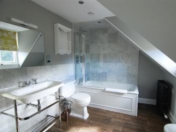 Standard King Bathroom