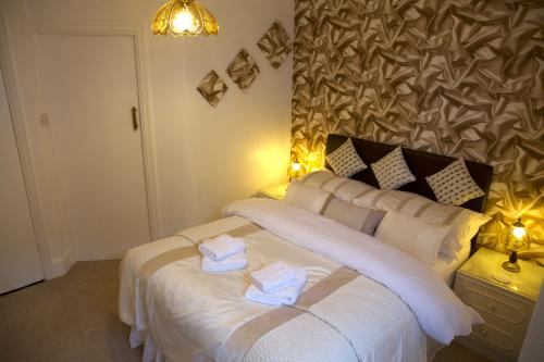Double room-Ensuite with Shower-small double - Room 12