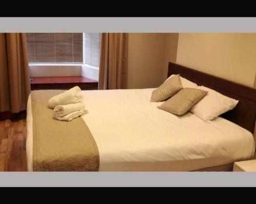 Quad room-Suite-Ensuite with Bath - Base Rate