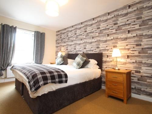Room 3 - Super King Bed/ Twin Beds, En-Suite Bathroom