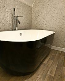 Luxury -Double room-Ensuite with Bath - Base Rate