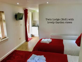 Twin Lodge (room 5)