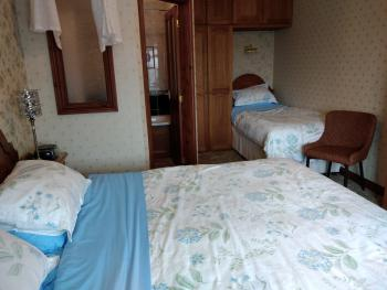 Family room-Ensuite-(Sleeps up to 3)