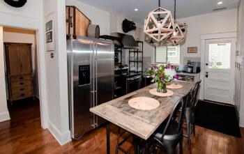 Studio 555 Full Kitchen