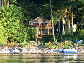 Natural and beautiful Lakefront cottage in a cove on Lake Ontario NY
