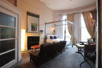 Quad room-Comfort-Ensuite with Bath-Sea View-Four poster bed - Flexible Rate