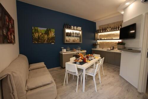Unità immobiliare-Familiare-Bagno privato-Balcone