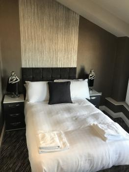 Double room-Ensuite with Shower-Sea View-Compact Double  - Base Rate