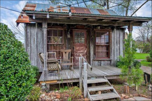 Cottage-Ensuite-Standard-Rustic Oaks