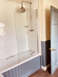 Fishing Lodge Bath-Shower