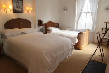 Double room-Deluxe-Ensuite with Shower-Garden View-White - Base Rate