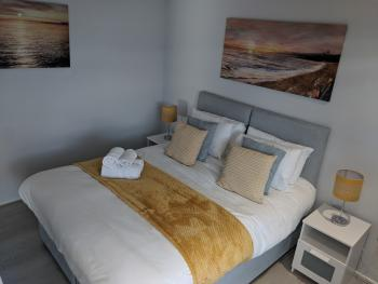 LT Grove Apartment - Stratford - room2