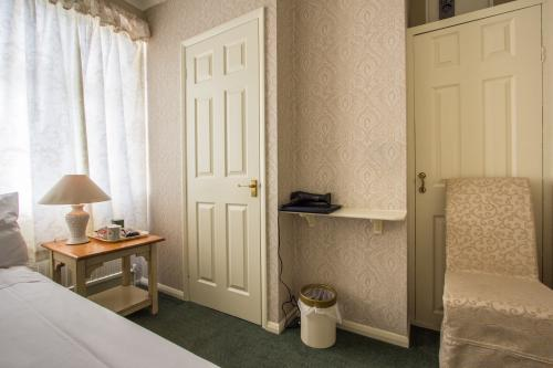 Single room-Comfort-Ensuite with Shower - Base Rate