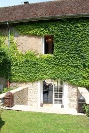 MaisonMaya_sortie vers le jardin depuis le salon