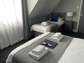 Triple room-Ensuite-One Double One Single