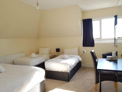 Quad room-Standard-Ensuite with Shower