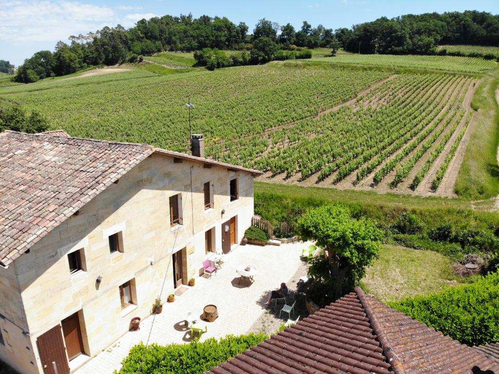 The house located in the vineyards