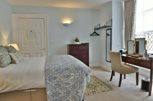 Standard-Double room-Ensuite with Shower