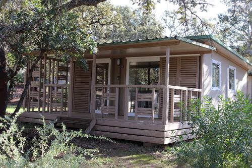 Chalet-Confort-Douche-Vue sur Jardin-VEGA 4C