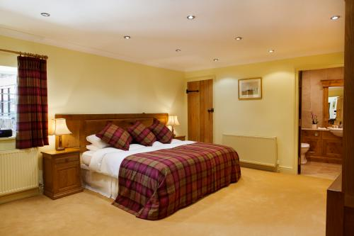 Suite-Luxury-Wet room-and Shower The Middleton - The Middleton - B&B (Direct Only)